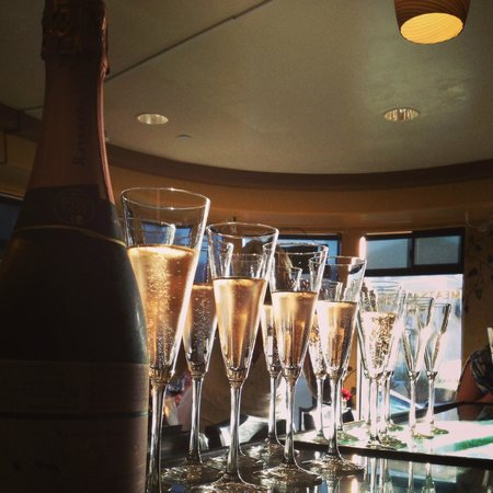 Cuvee Champagne Bar - Management Agreement | West Hartford Ct